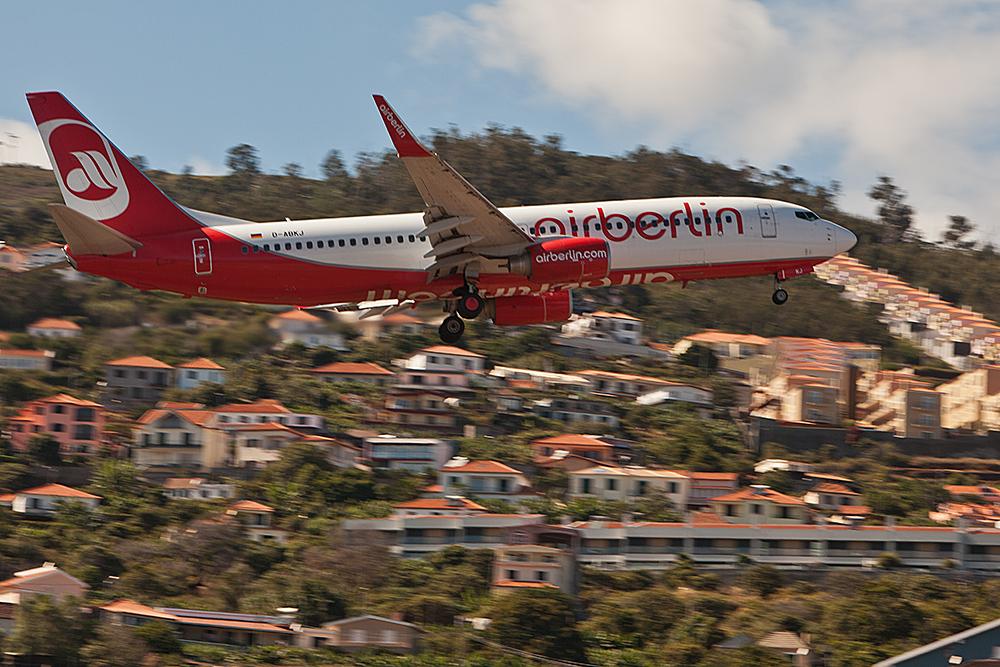 Aeroporto da Madeira (FNC) Airberlin Boeing 737 -800