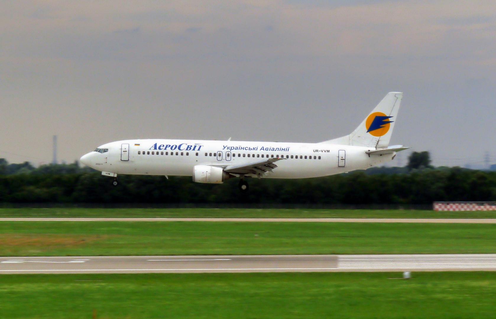 AeroSvit Boeing 737-448