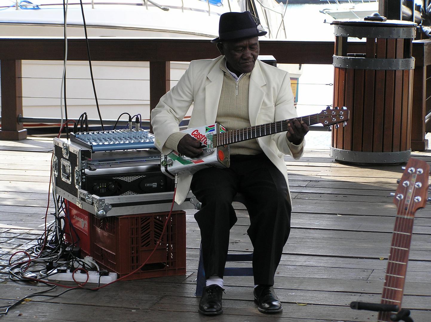 African Blues mit der Blechgitarre