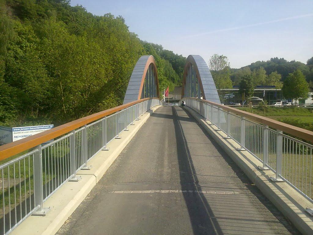 Aggerbrücke in Richtung Kreuznaaf. Sonntag, 04. Mai 2014