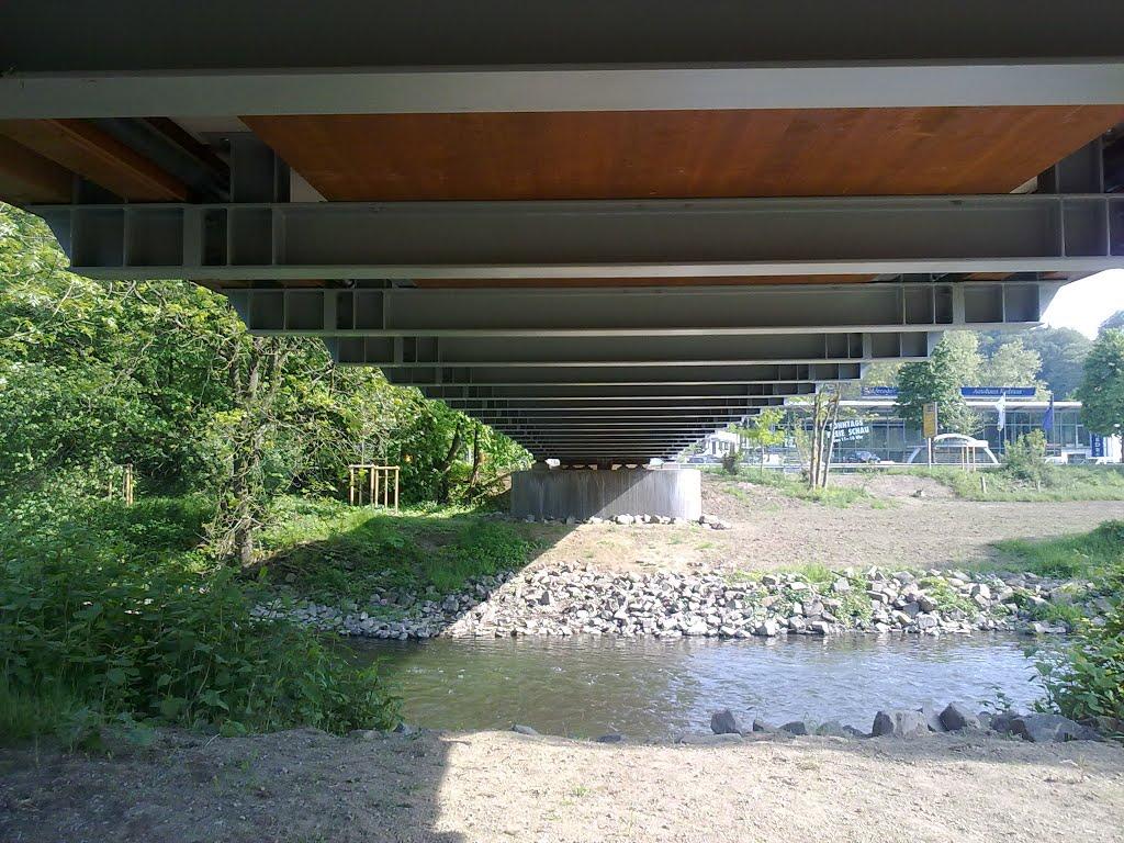 Aggerbrücke in Richtung Kreuznaaf von unten. Sonntag, 04. Mai 2014