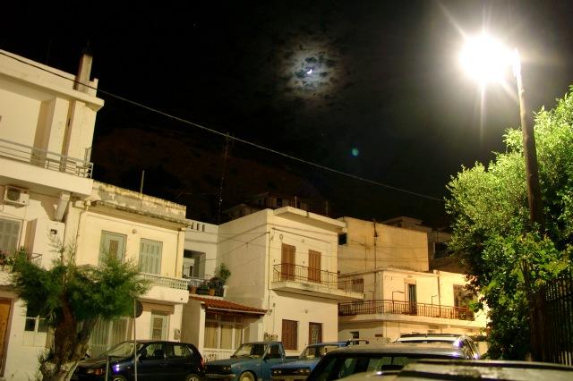 Agia Galini im Mondschein.