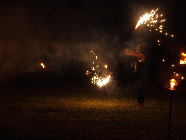 Agnitara, Feuershow