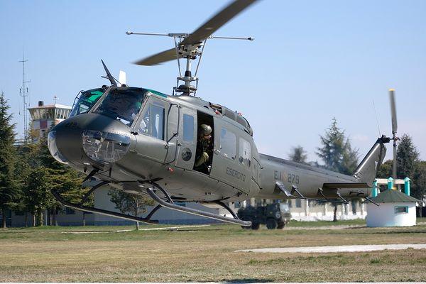 Agusta A205 in decollo