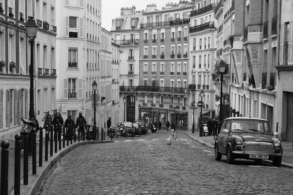 Ah le Montmartre de Doisneau...