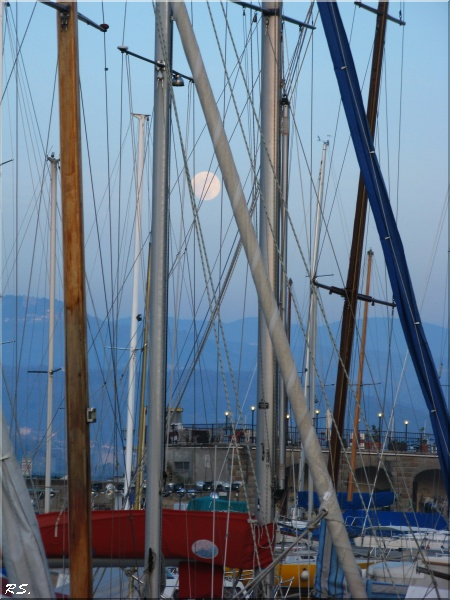 ...ahh luna, biricchina....