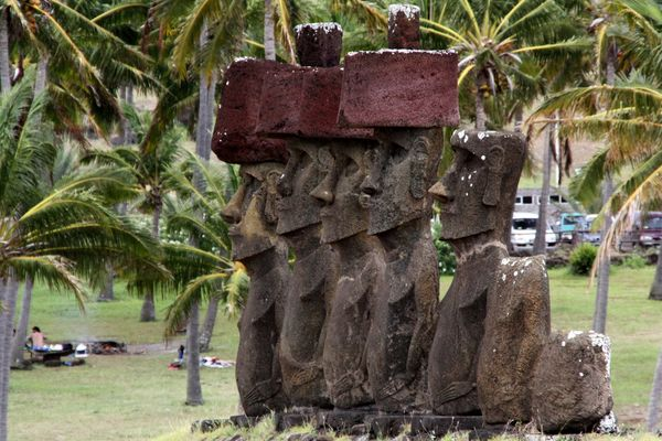 Ahu Nau Nau in Anakena auf der Osterinsel Rapa Nui