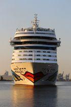 AIDA mar in Rostock Warnemünde zur Hanse Sail 2013