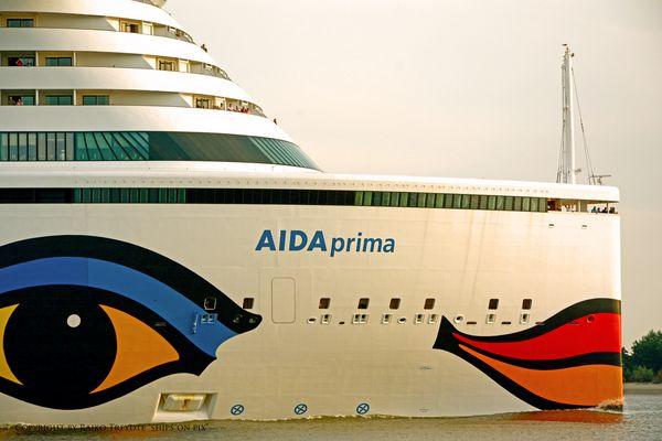 AIDA prima a.d. Schiffsbegrüßungsanlage Wedel