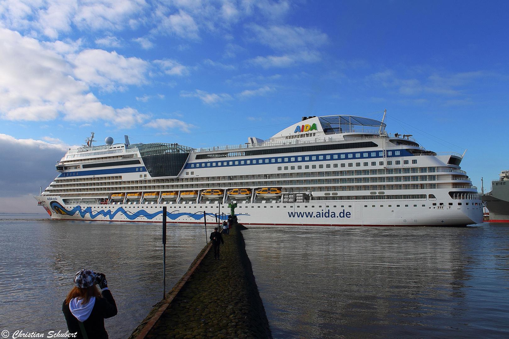 AIDA Stella Emden Außenhafen