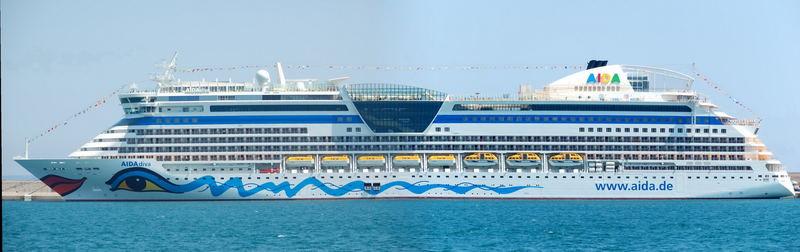 AIDAdiva im Hafen von Palma de Mallorca