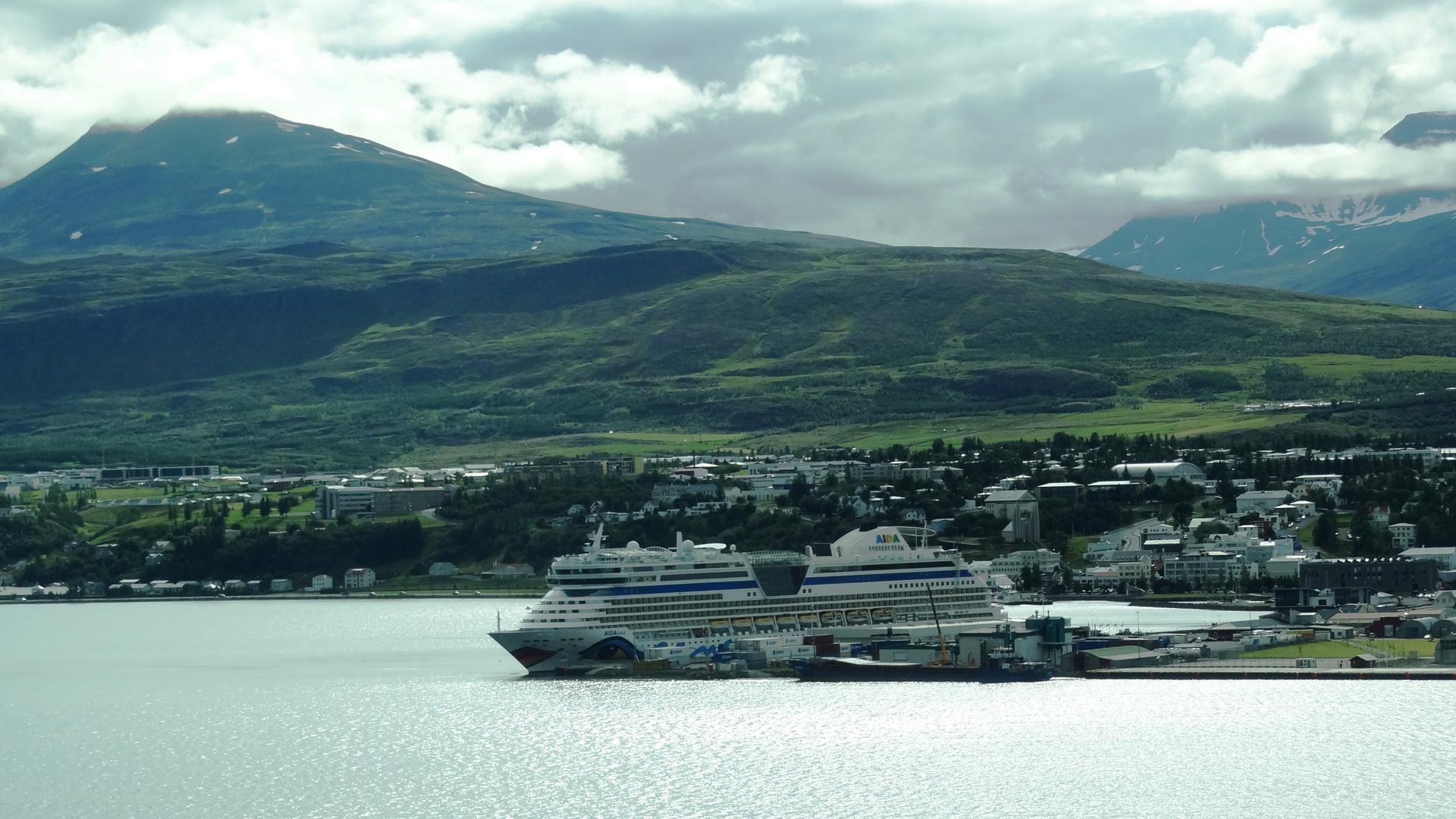 AIDAluna in Akureyri 1