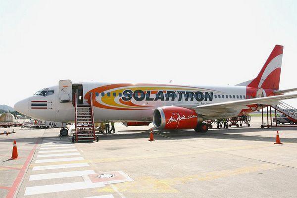 """Air Asia's B 737-300 """"Solartron"""""""