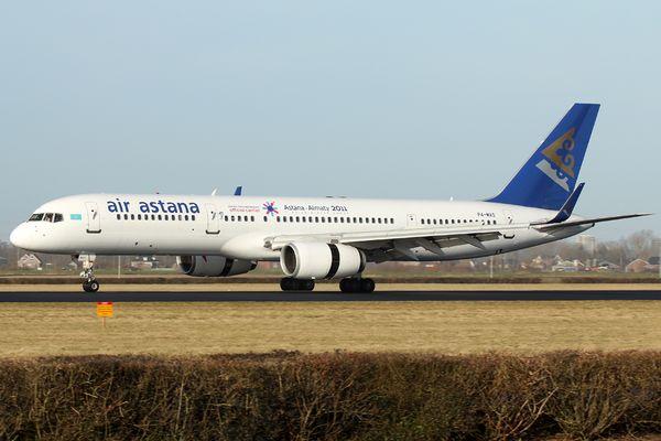 Air Astana Boeing 757-256