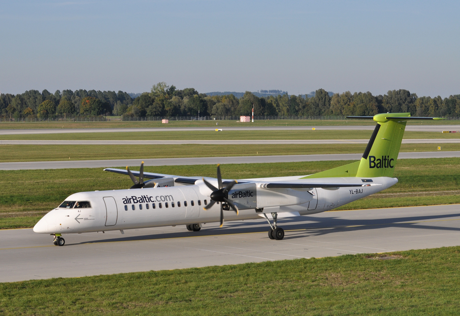 Air Baltic YL-BAJ