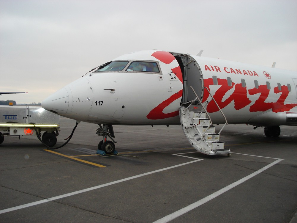 Air Canada Cazz CRJ 100/200 auf dem Airport von Edmonton