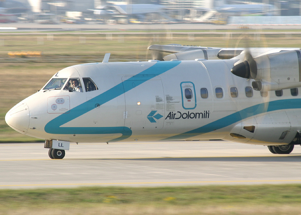 Air Dolomiti ATR 42-500