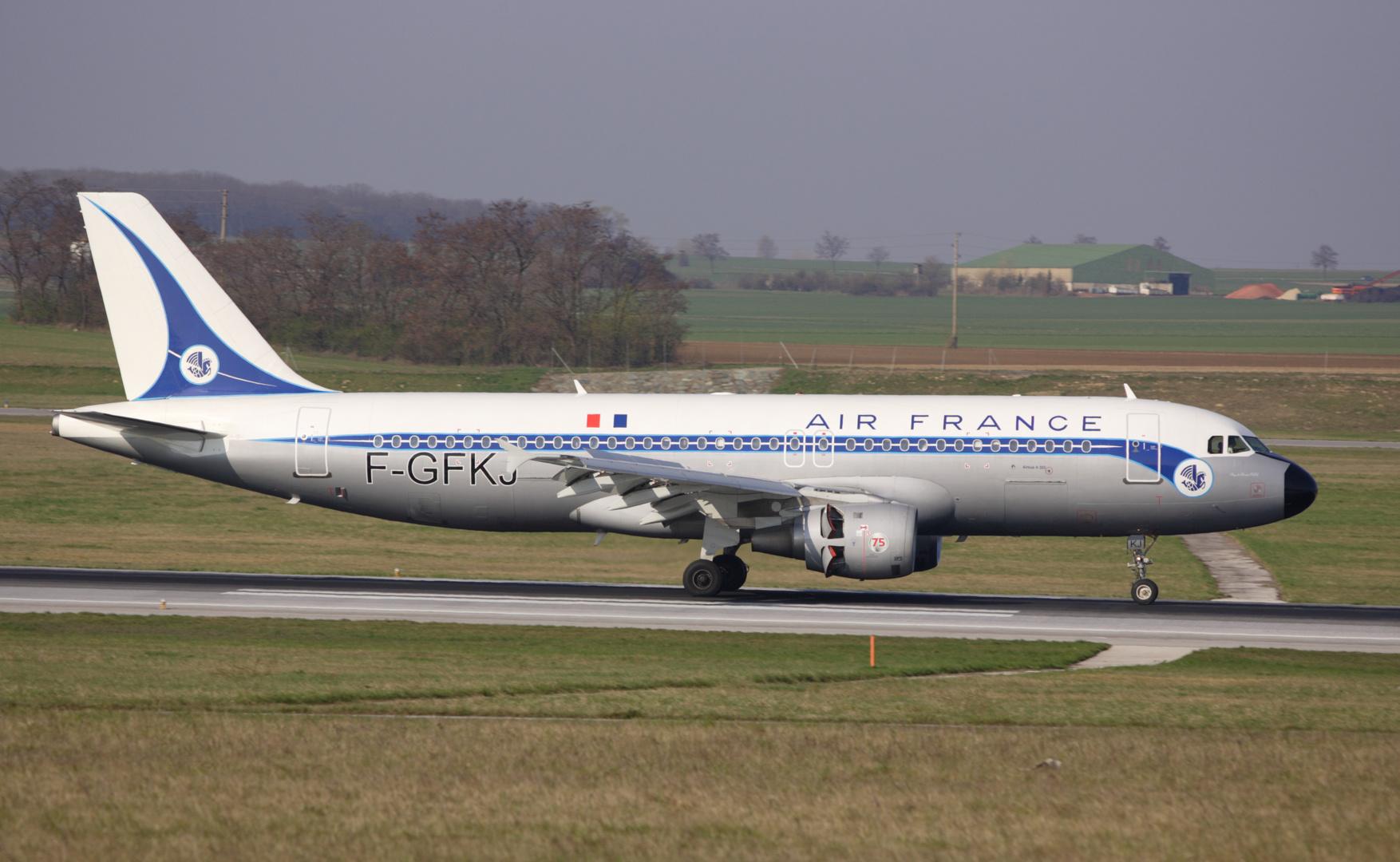 air france '' RETRO'' Airbus A320