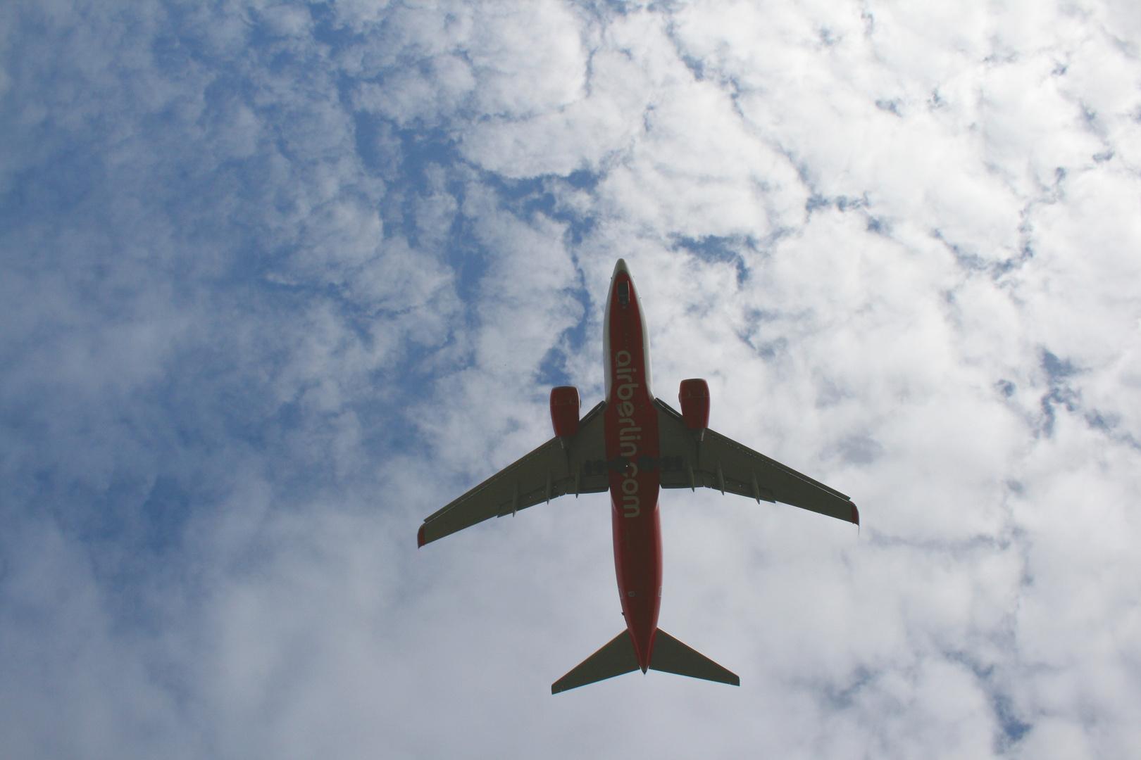 AirBerlin 737 im Landeanflug