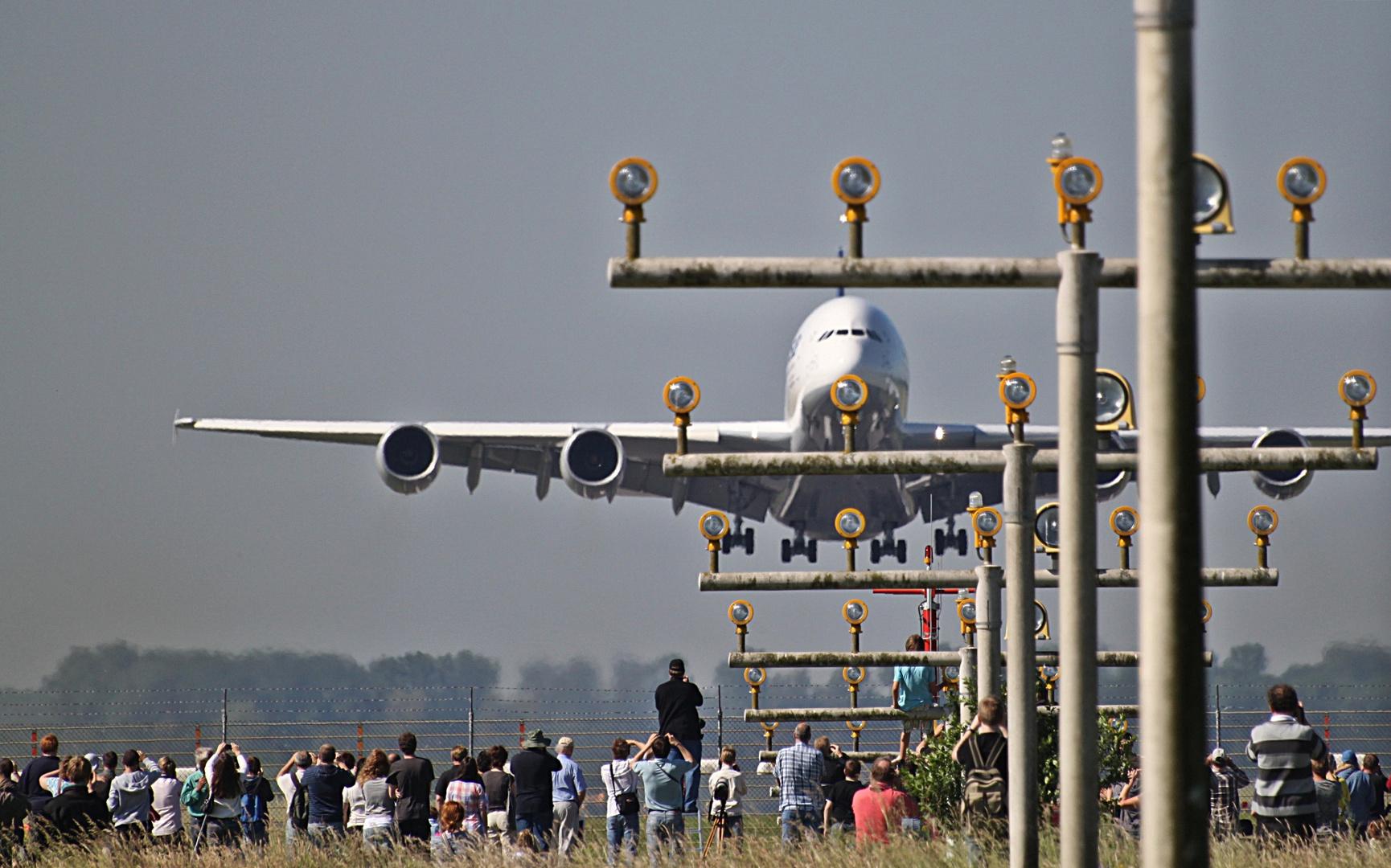 """Airbus A 380 """"D-AIMA"""""""