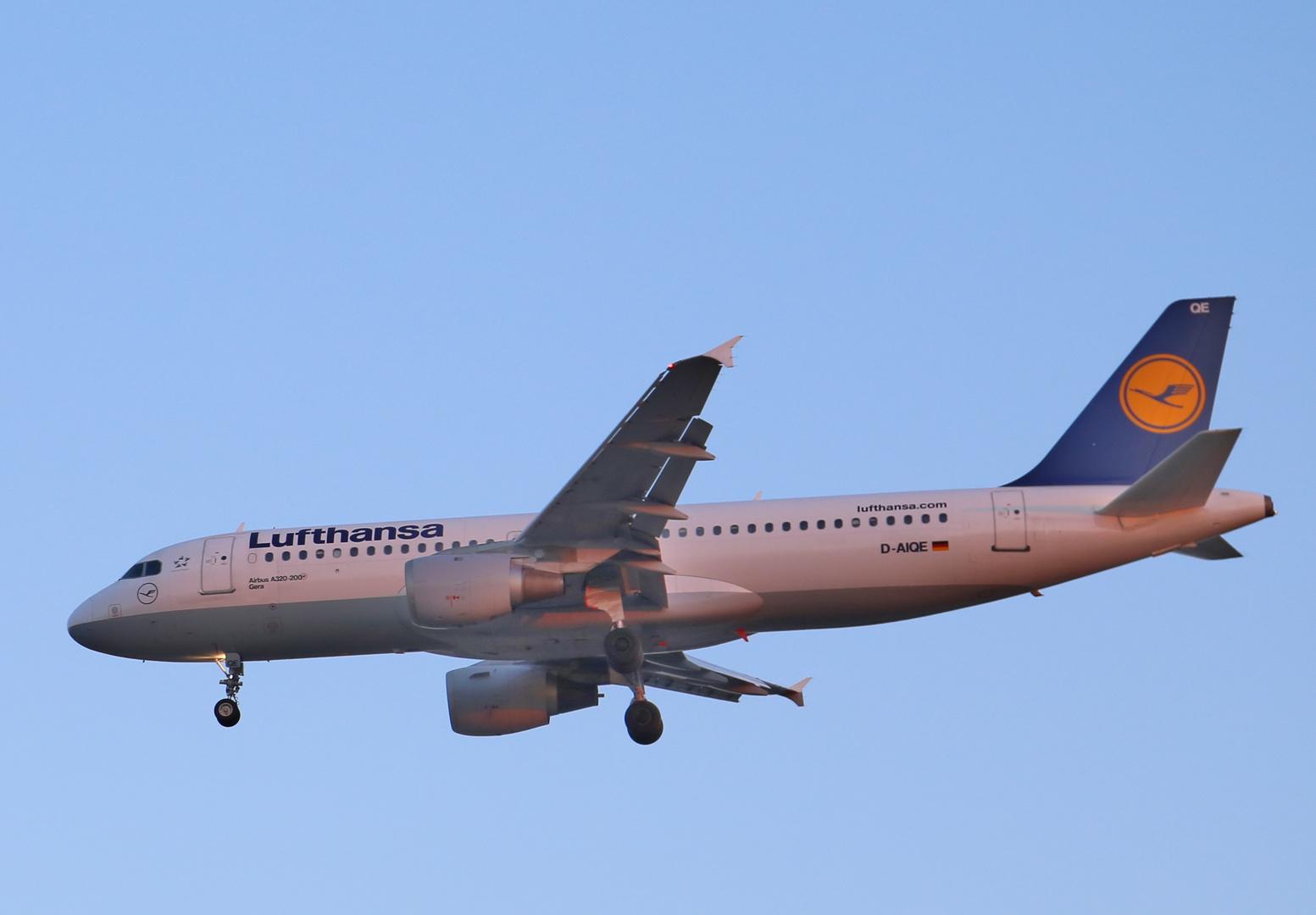 Airbus A320-200 GERA   D-AIQE