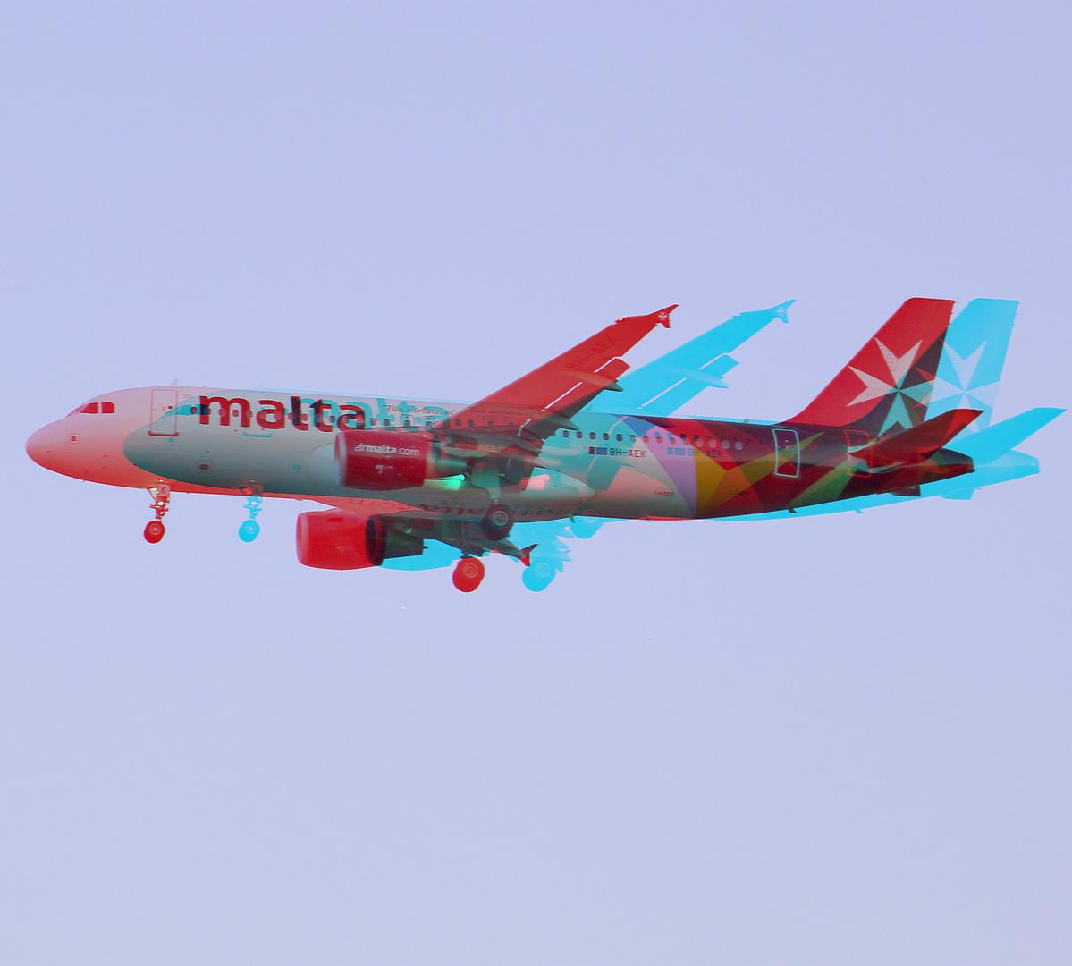 Airbus A320-214 / 9H-AEK