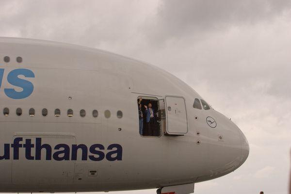 Airbus A380 im Vorbeimarsch