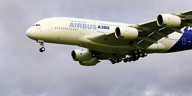 Airbus A380 in DUS