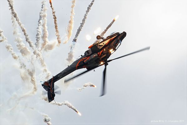 "~ Airshow Koksijde - Day 2 ""RNLAF Apache Demo"" ~"