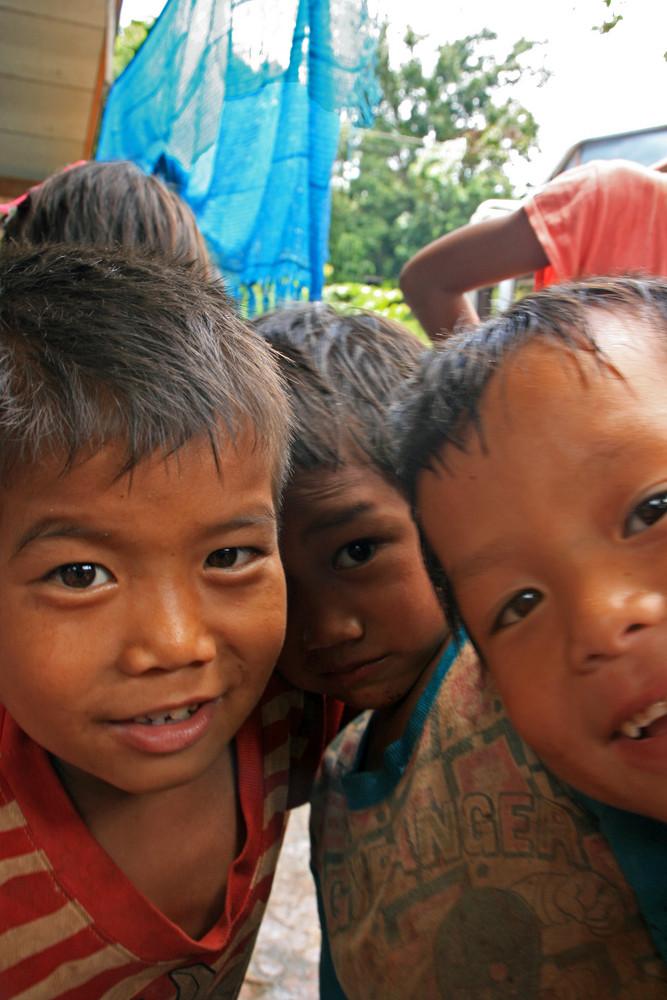 Akha Bergvolk-Kinder in Laos