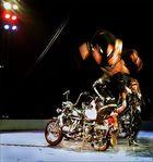 Akrobatik auf der Harley II
