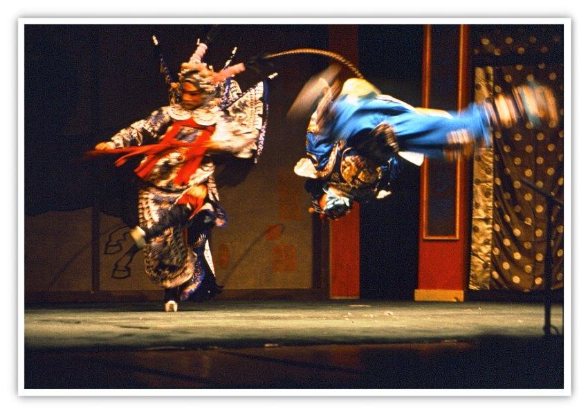 Akrobatik in der Peking Oper