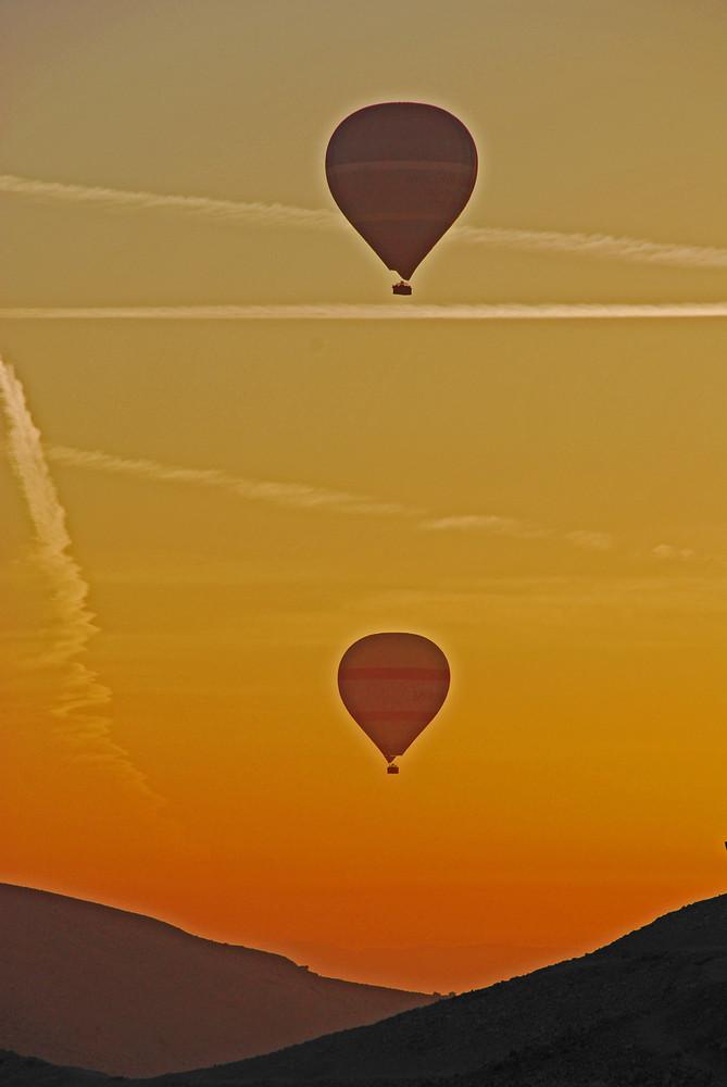 Alba : mongolfiere
