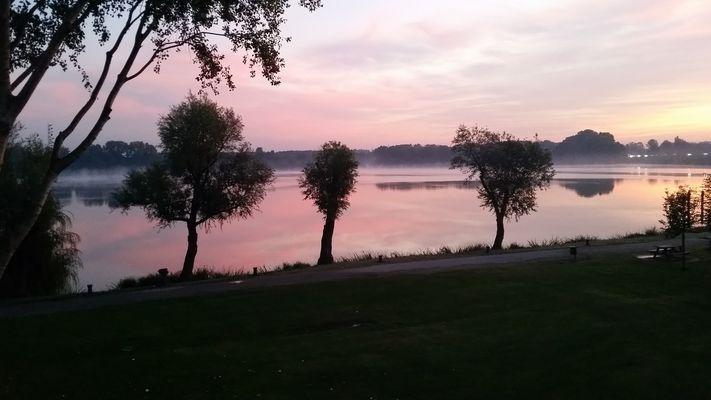 Alba sul lago di Mantova