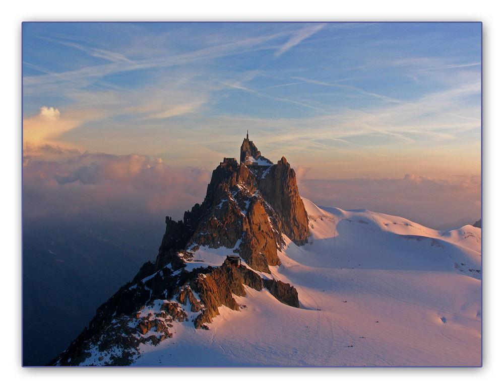 Alba sull'Aiguille du Midi