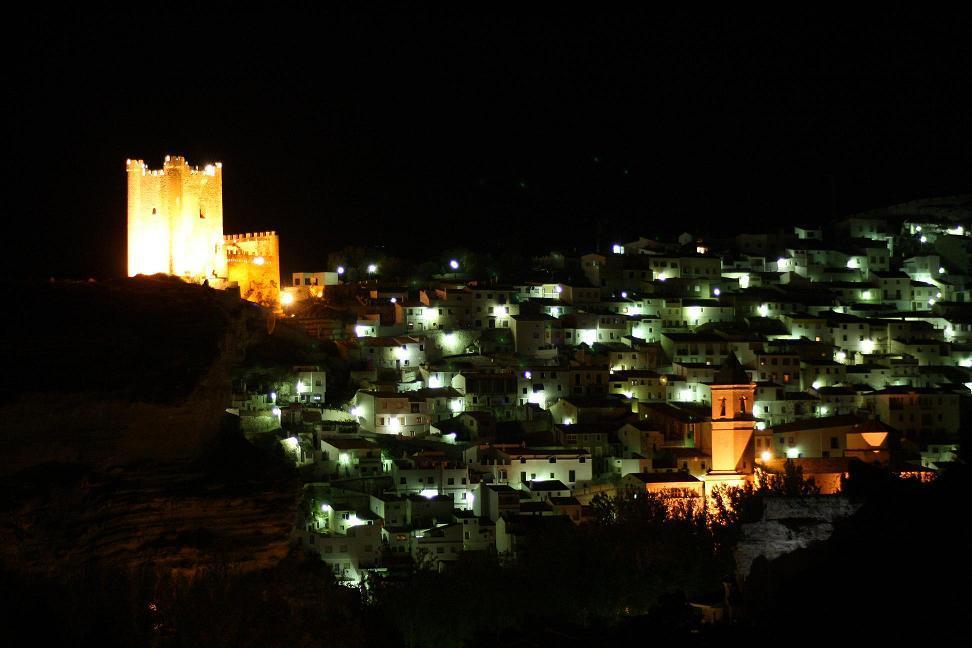 Alcalá del Júcar iluninado