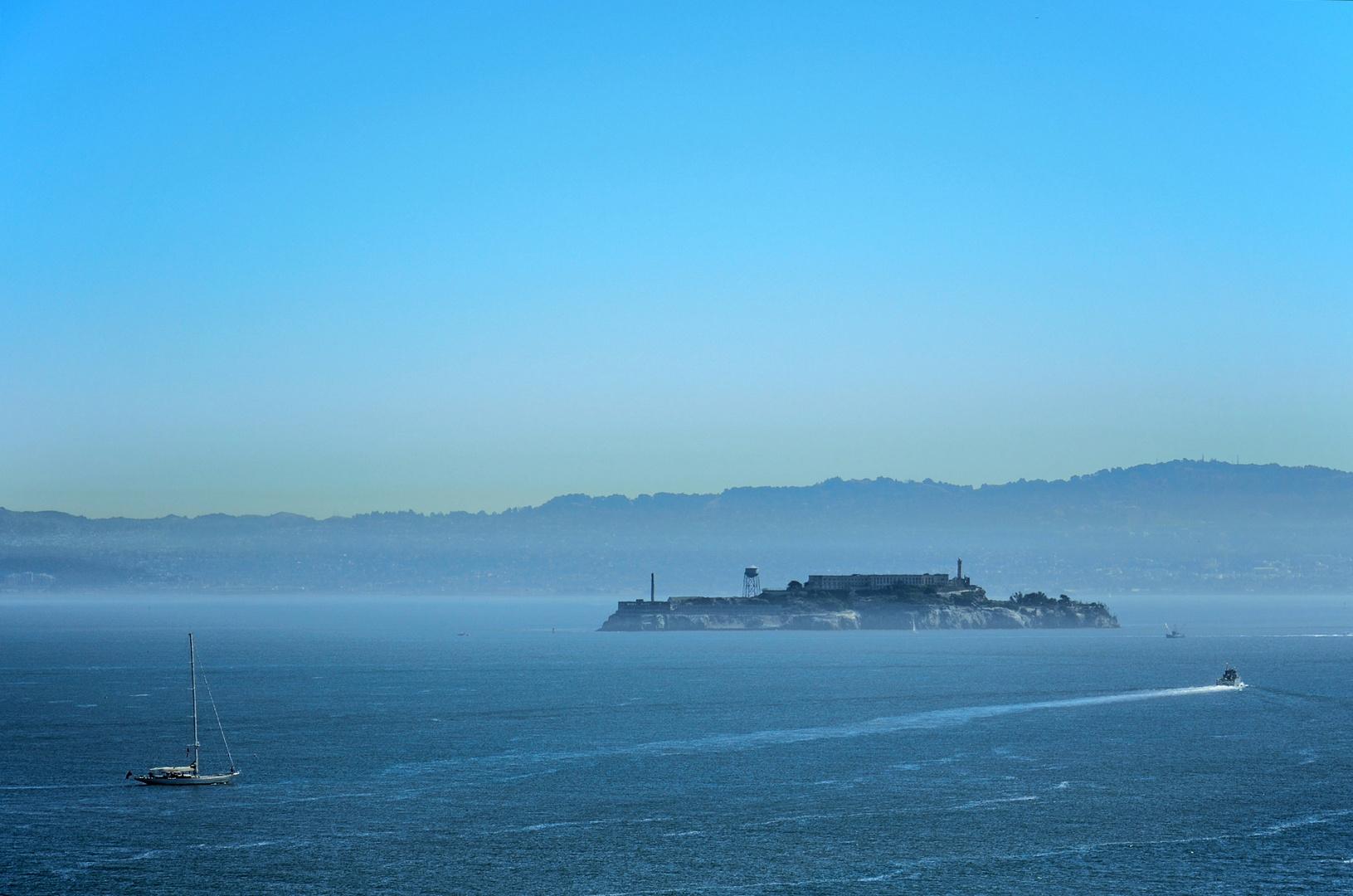 Alcatraz vom Dunst umgeben !