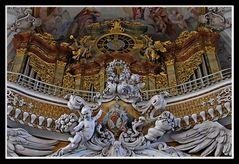Aldersbach, Empore mit Orgel.