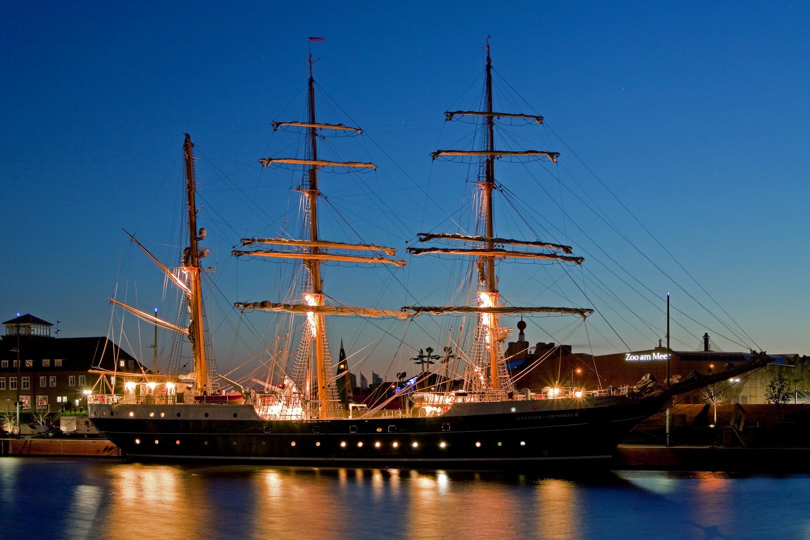 ALEX II am 23.10.2011 in Bremerhaven einen Tag vor der 1. großen Reise