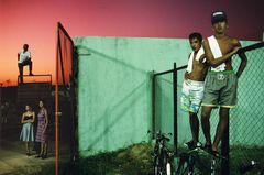 ©ALEX WEBB - CUBA - 2001 - Havana - Street scene