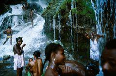©ALEX WEBB - HAITI-1987 Saut D'eau pilgrimage.