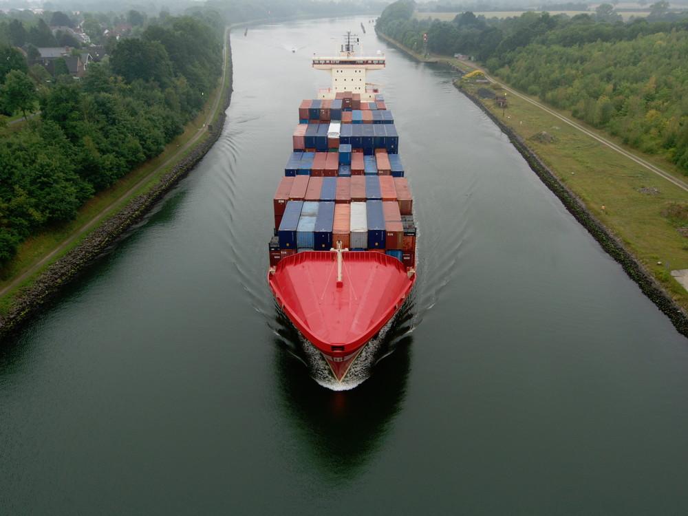 ALEXANDER B auf dem Nord-Ostsee-Kanal