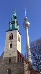 Alexanderplatz - Tele-Spargel und Kirche