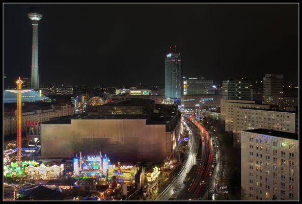 Alexanderplatz zum Weihnachtsmarkt am Alexa