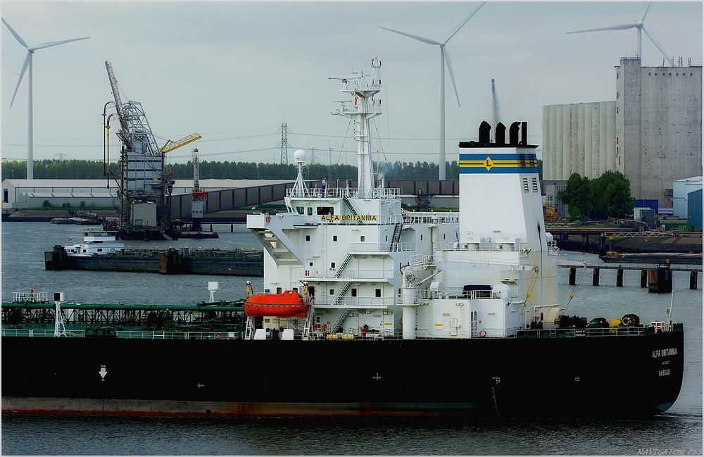 ALFA BRITANNIA  / Crude Oil Tanker / Calandkanal / R0tterdam
