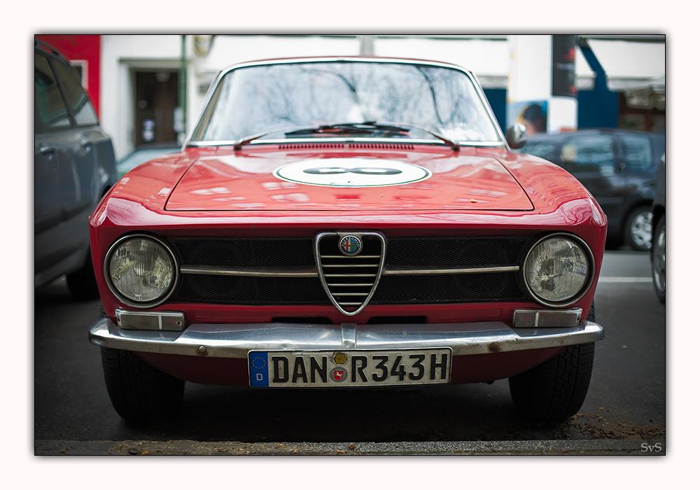 Alfa Romeo GT 1300 Junior Coupe