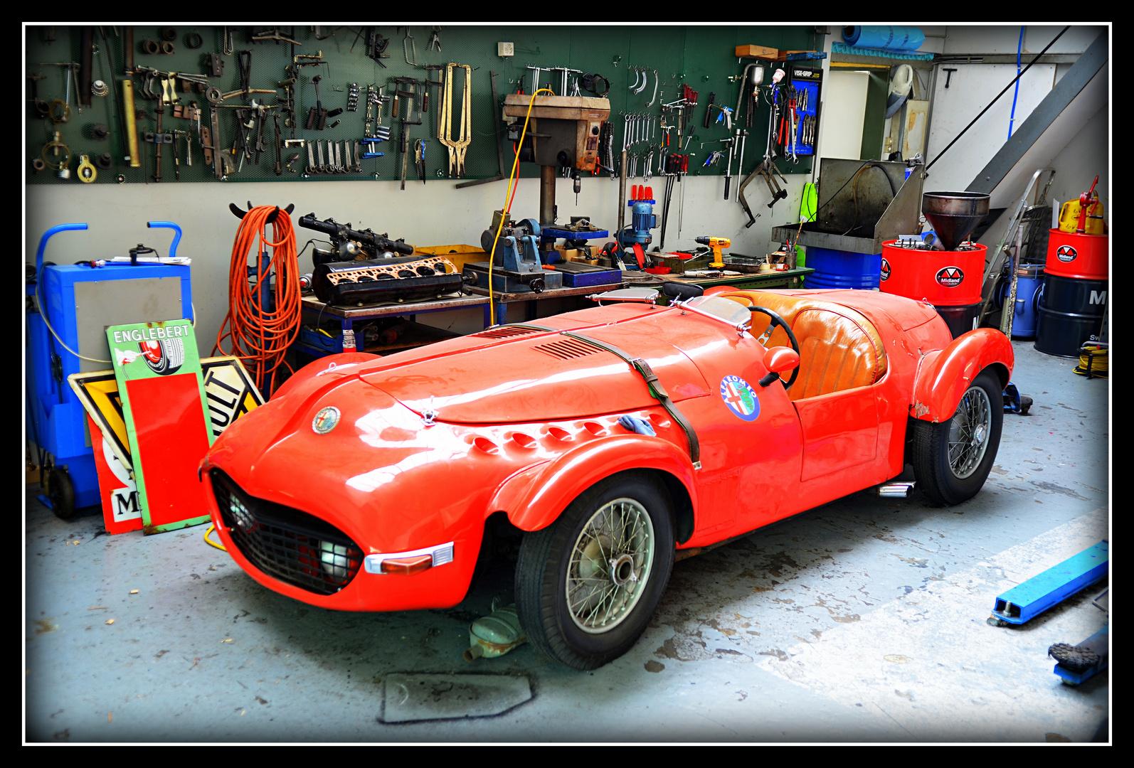 Alfa Romeo in Garage