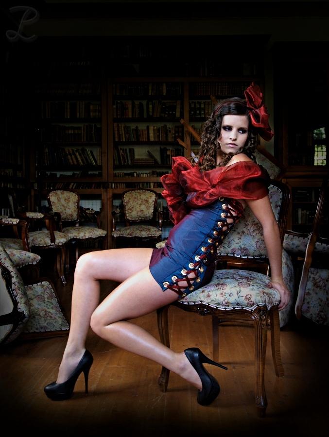 alice im wunderland foto bild szene fantasy schloss bilder auf fotocommunity. Black Bedroom Furniture Sets. Home Design Ideas