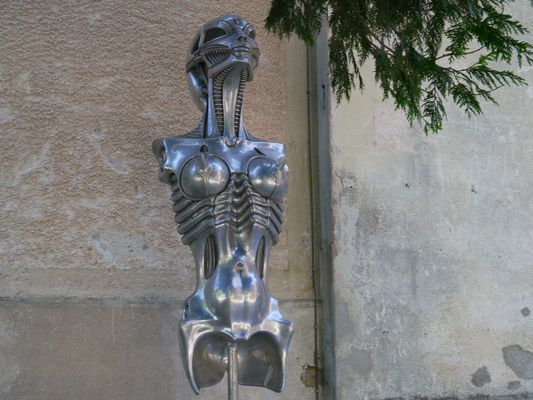 Alien in Gruyeres