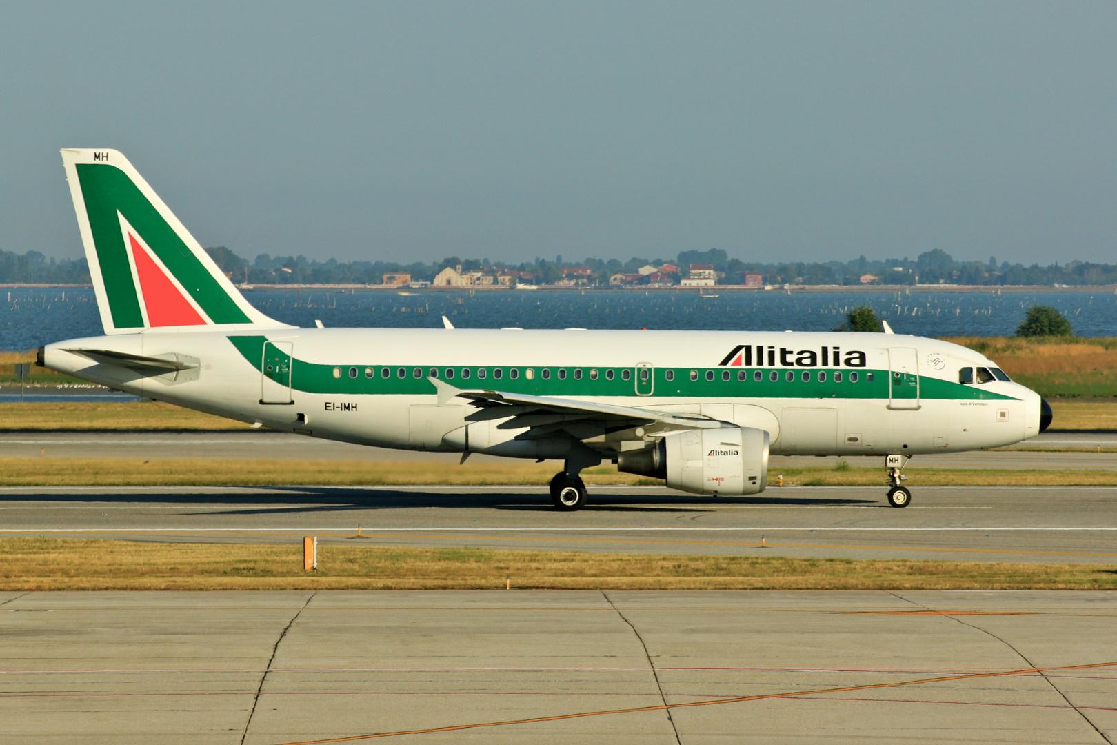 Alitalia - Airbus A319-112- VCE 2013